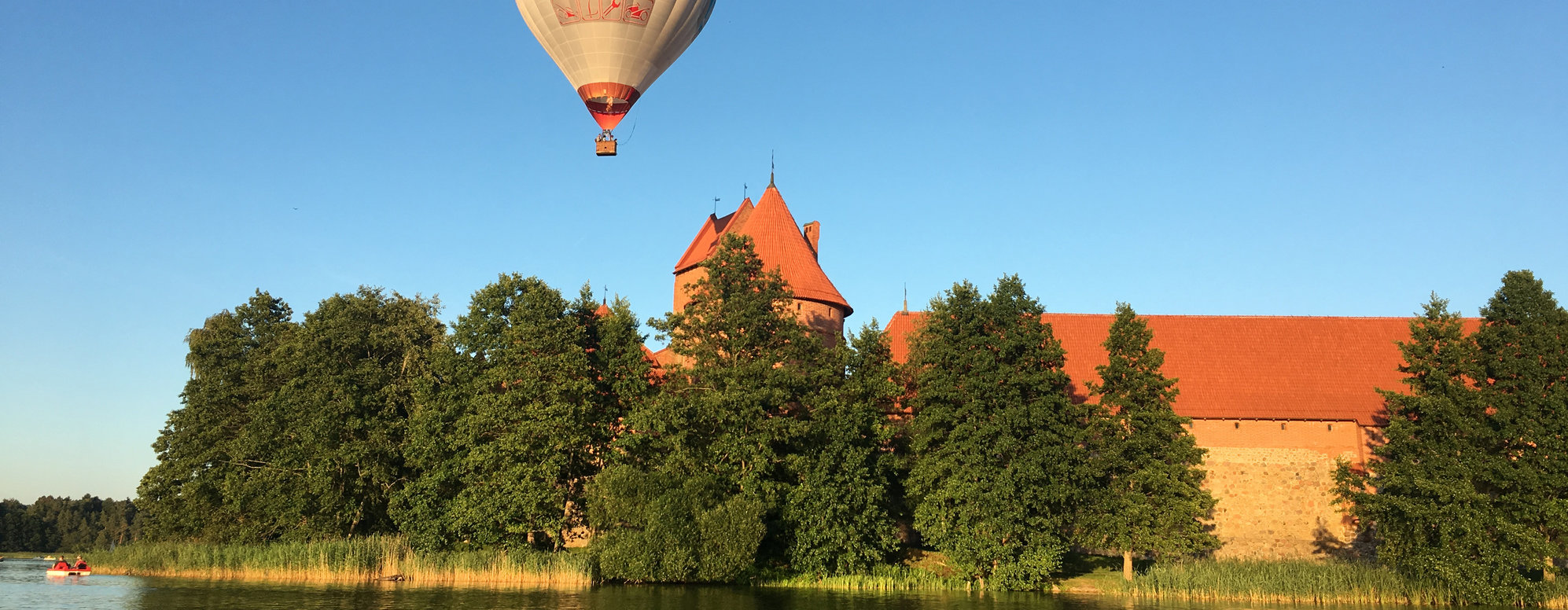 Hot air balloon tours in Vilnius